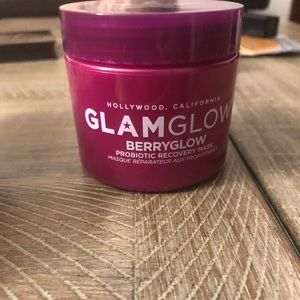New Glamglow probiotic mask in berry glow